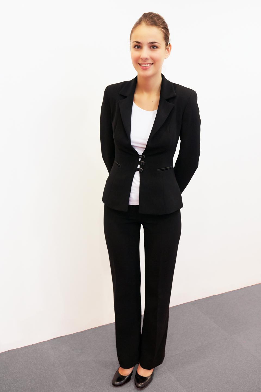 tailleur pantalon noir femme fashion designs. Black Bedroom Furniture Sets. Home Design Ideas